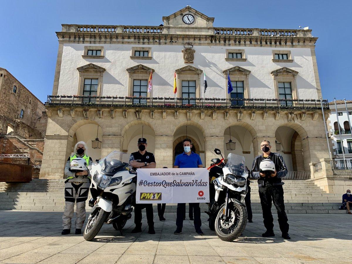 El Ayuntamiento de Cáceres se une a la campaña de seguridad vial 'Gestos que salvan vidas'