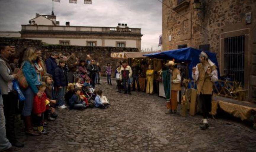 """""""Circo en la Calle"""" programa ocho espectáculos y cuatro talleres en Cáceres"""