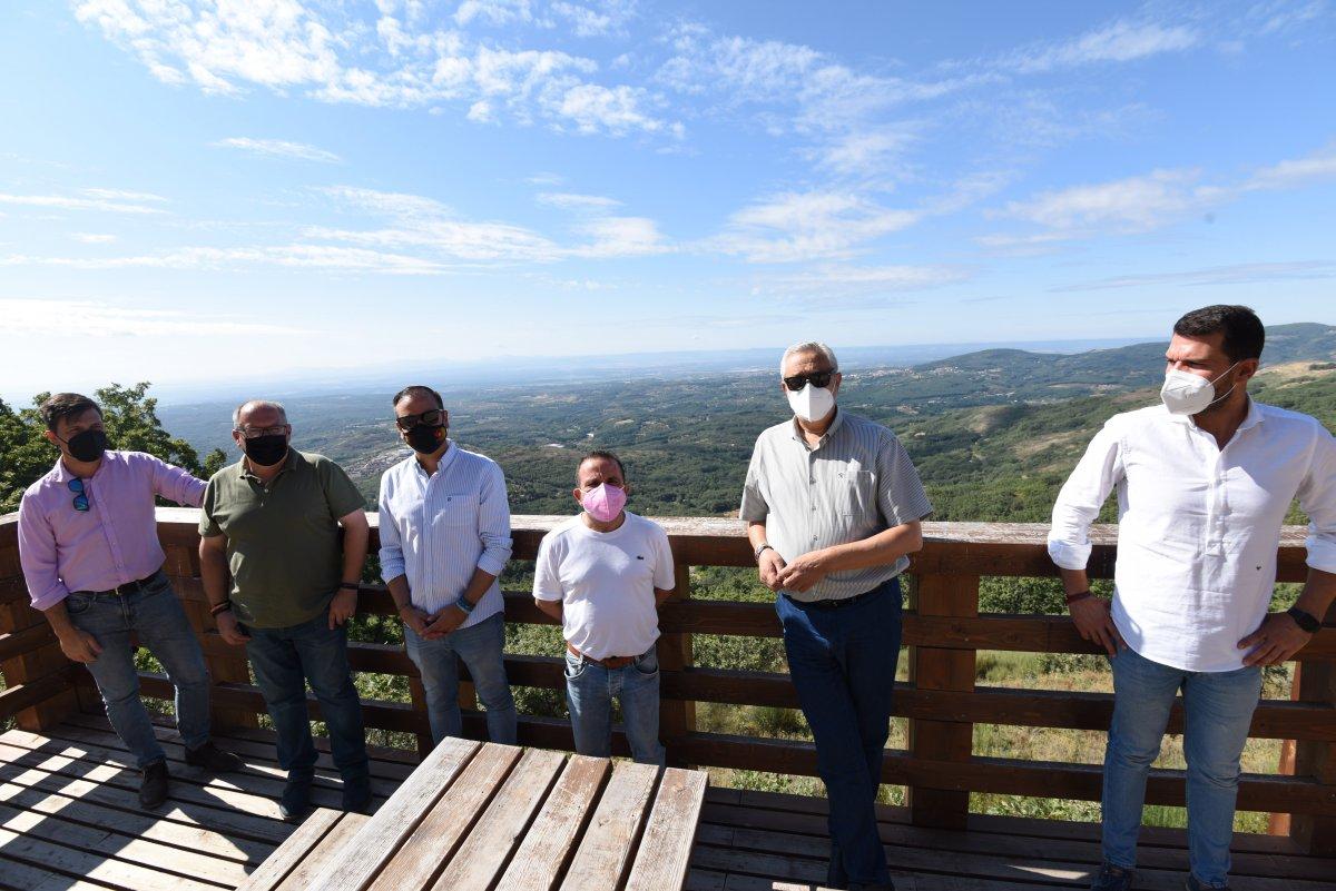Cuacos de Yuste dispone de un nuevo mirador con vistas a la comarca de La Vera como recurso turístico