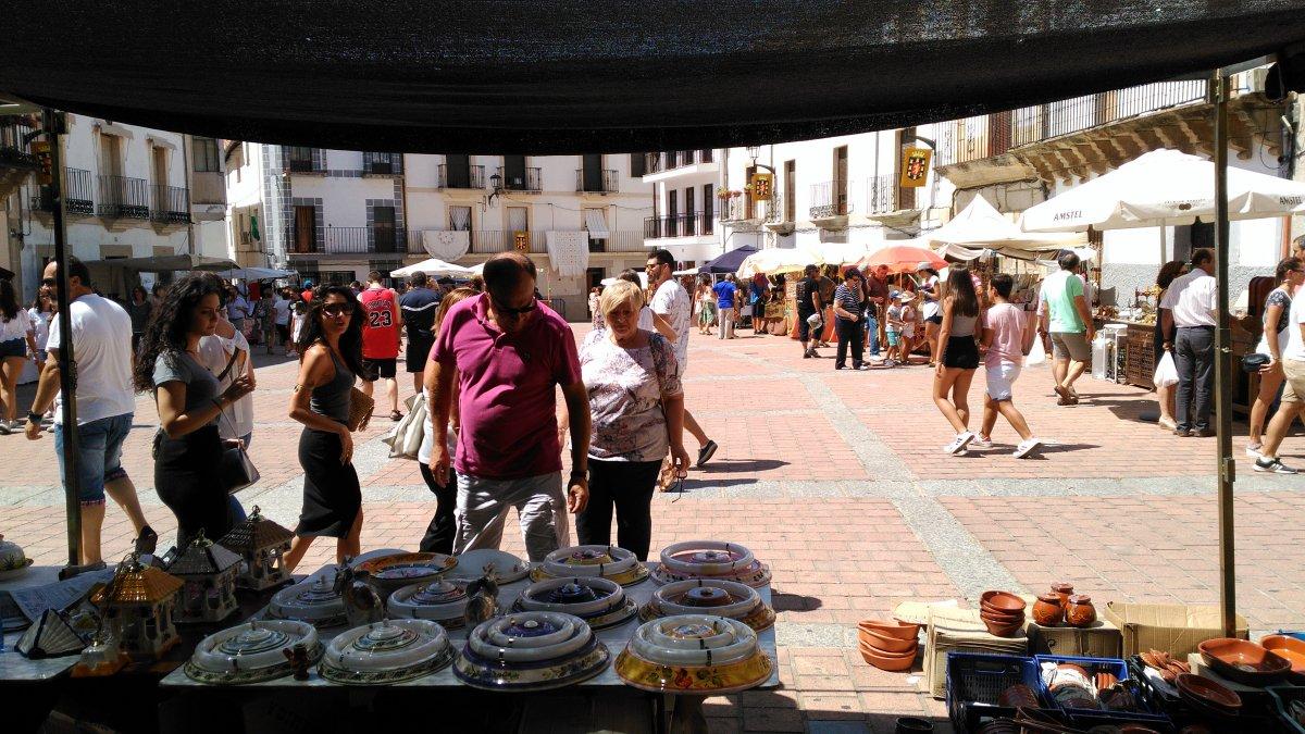 El Mercado Artesanal del Jueves Turístico de Coria tendrá un único itinerario a seguir para salvaguardar la seguridad