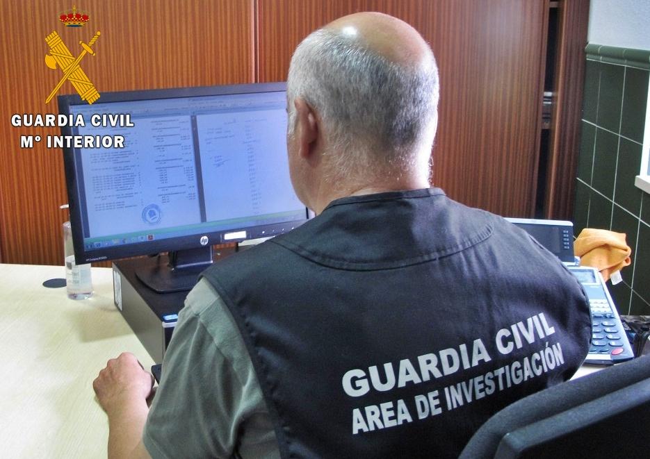 Detenida en Medina de las Torres una persona que estafó más de 73.000 euros a dos octogenarios