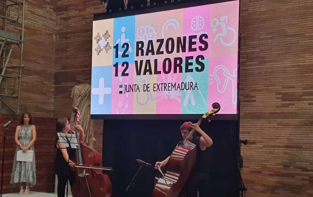 Extremadura presenta la campaña '12 razones – 12 valores' que persigue el objetivo de dar voz a personas con discapacidad