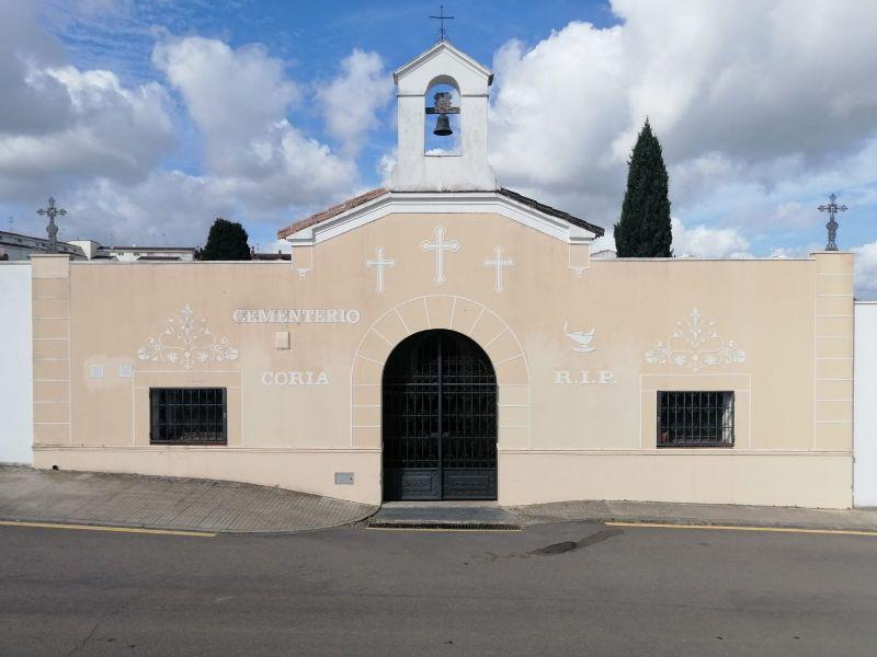 Continúan los trabajos de ampliación del cementerio municipal de Coria con un presupuesto de más de 30.000 euros