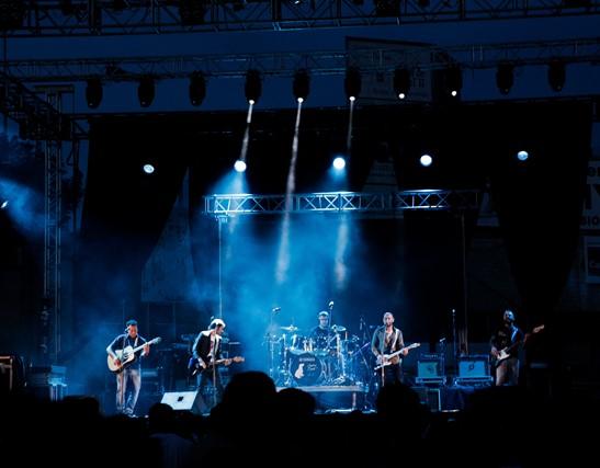 La banda de pop-rock 'Cochera Suite' regresa con un concierto en Valencia de Alcántara