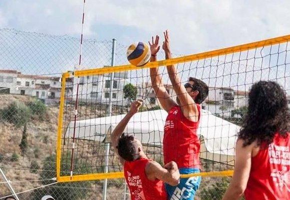 Coria acogerá este sábado un torneo de voley-playa que cumple diez  años de trayectoria