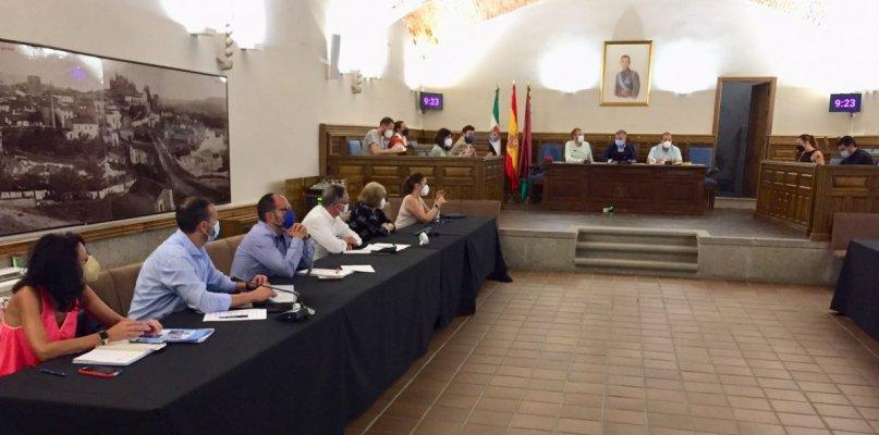 """El Ayuntamiento de Plasencia aboga por el """"equilibrio entre la salud y la economía de la ciudad"""""""