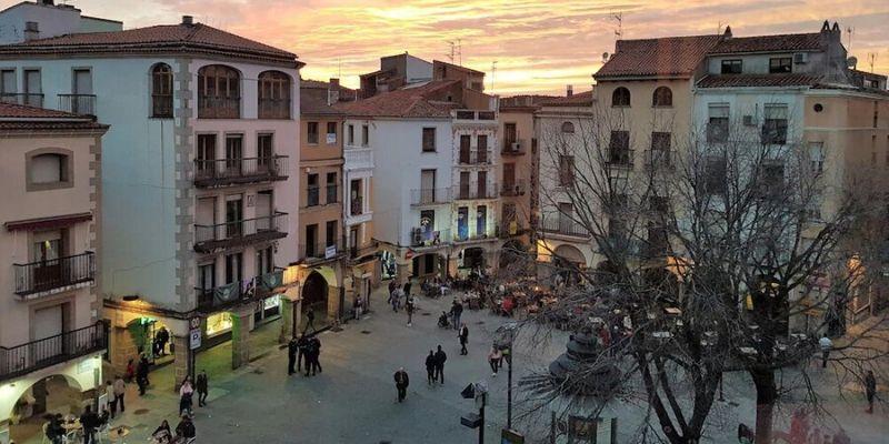 El TSJ de Extremadura autoriza bajar al nivel de alerta 2 el área de salud de Plasencia