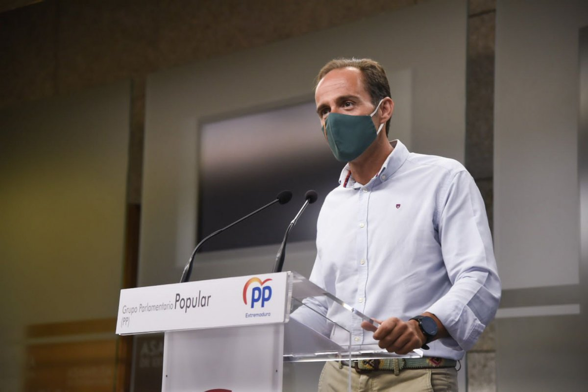 El PP advierte que la sumisión de Vara a Sánchez daña a los parados y a la economía de Extremadura