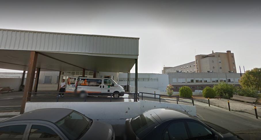 Herida grave una joven en una colisión entre un turismo y un camión en Gargáligas