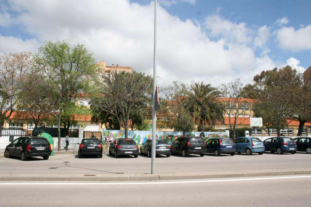 Las dos hermanas del colegio Alba Plata de Cáceres vuelven a clase con mascarilla