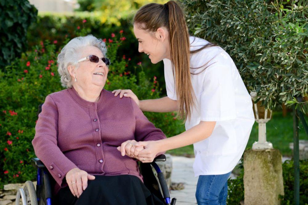 Mensajeros ofrece formación en atención sociosanitaria de personas dependientes en domicilios