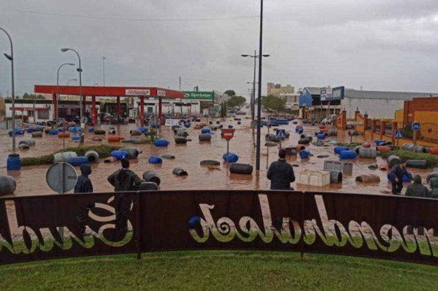 Tres carreteras provinciales de Badajoz siguen cortadas por la acumulación de agua