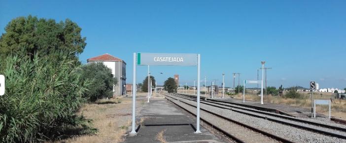 Ayuntamiento y sindicatos protestarán el día 24 por el abandono de la estación ferroviaria de Casatejada
