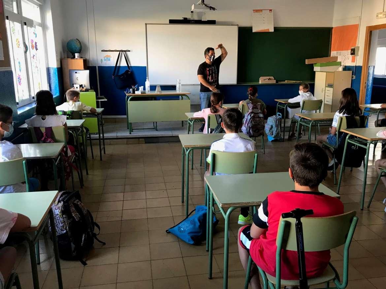 Educación pone en cuarentena a los estudiantes y docentes de 16 aulas de centros escolares