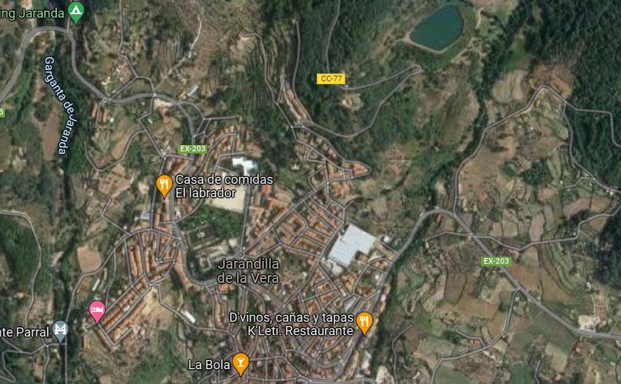 Fallece un motorista de 48 años en un accidente de tráfico en la EX-203, a la altura de Jarandilla de la Vera