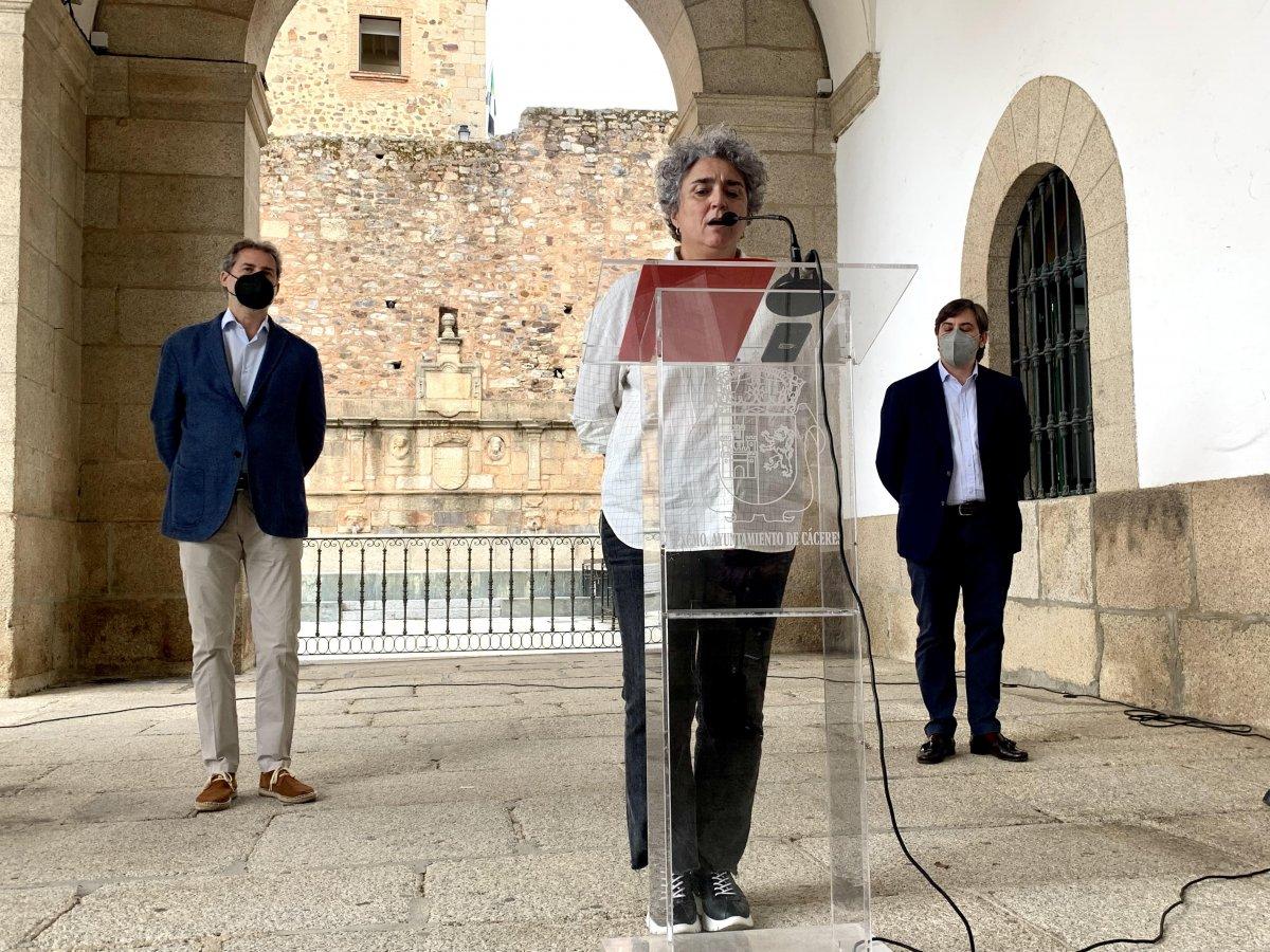 Cáceres será la primera ciudad en poner en marcha un servicio de entrega y seguimiento farmacológico a usuarios del SAD