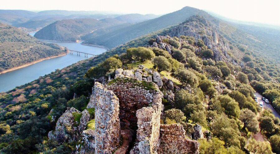 Preocupación en Monfragüe por la aparición de lodos putrefactos en el Tajo