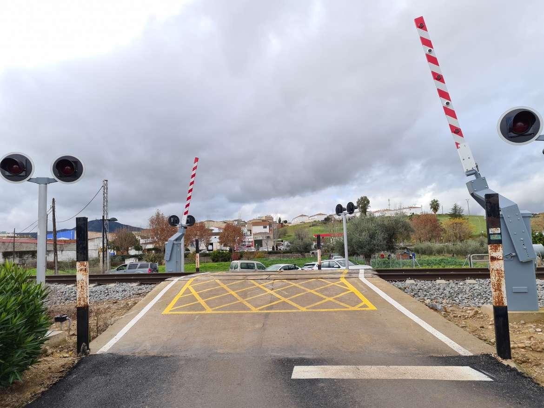 La circulación por tren se verá afectada por la supresión de un paso a nivel en Cáceres