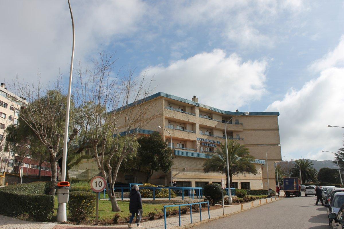 Sanidad detecta un brote de Covid-19 en la residencia de mayores Cervantes de Cáceres