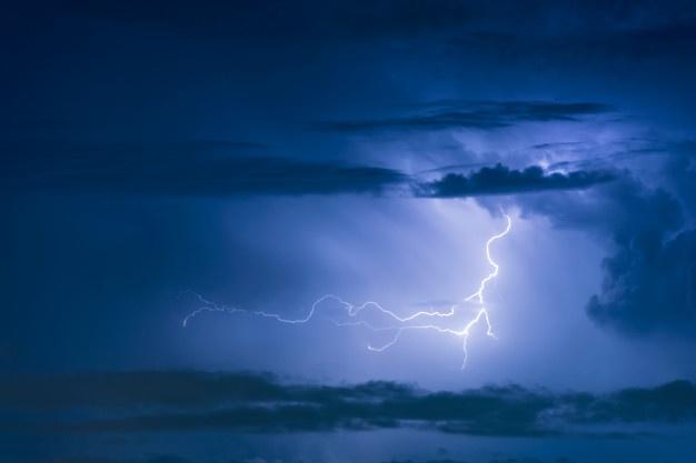 El temporal descarga en sólo 24 horas más de 2.780 rayos en Extremadura