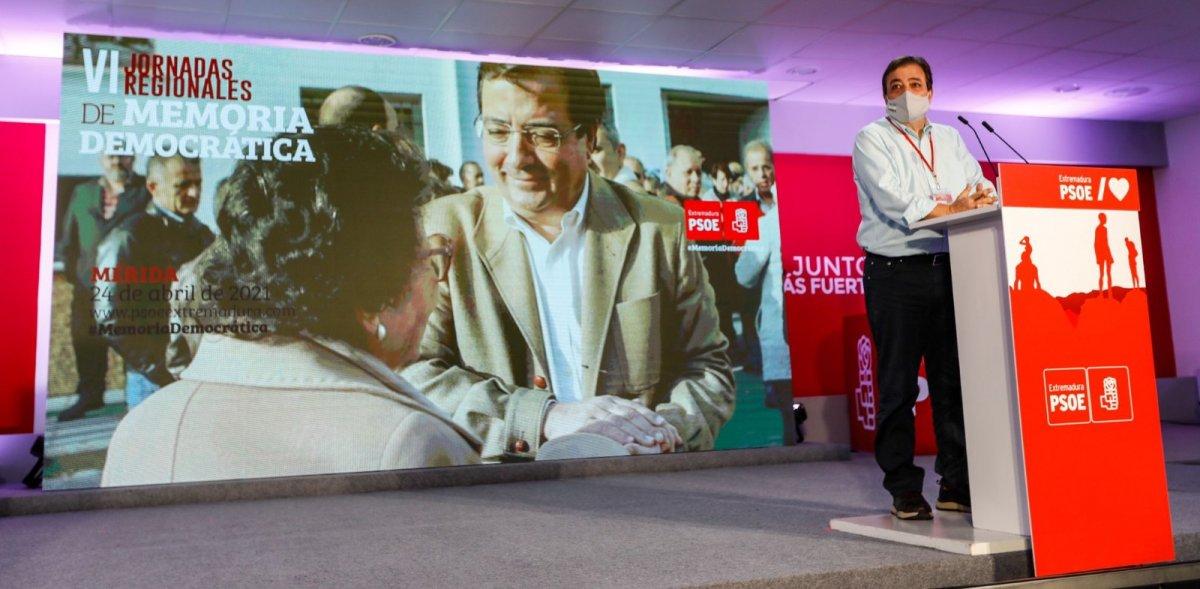 Vara se cuela en la nueva ejecutiva federal del PSOE y será el único representante de Extremadura