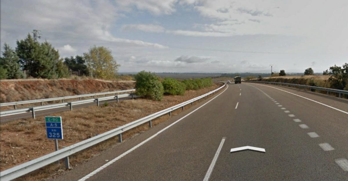 Fallecen dos jóvenes de 23 y 22 años en un accidente de tráfico en San Pedro de Mérida