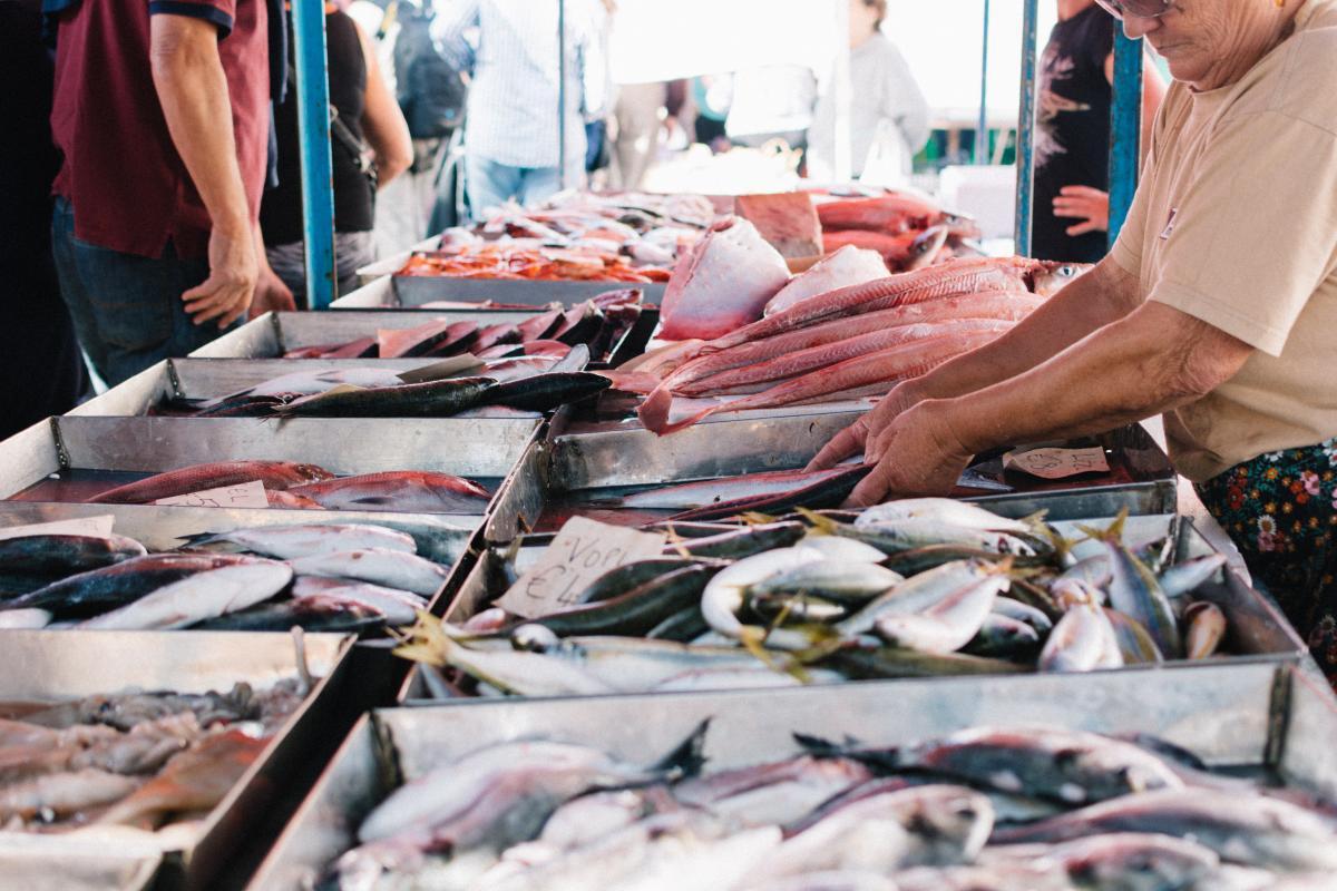 El 79% de las pescaderías extremeñas incumple la norma de etiquetado del pescado