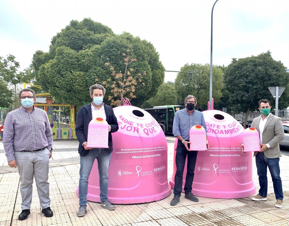 La campaña solidaria 'Recicla vidrio por ellas' recauda fondos para proyectos de prevención del cáncer de mama