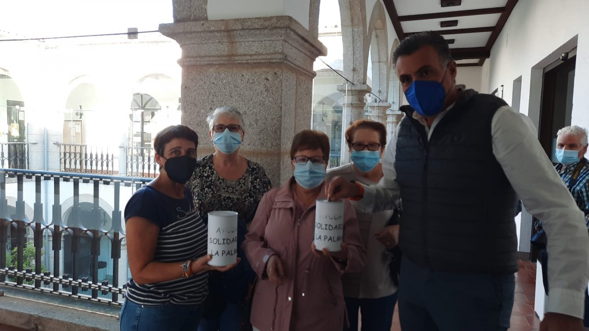 La Asociación de Mujeres de Coria pone en marcha una iniciativa para ayudar a los afectados por el volcán de La Palma
