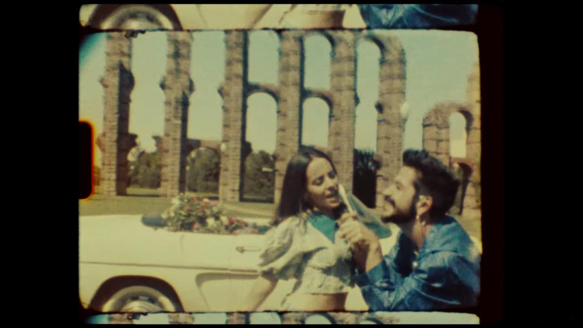 Camilo y Evaluna anuncian embarazo en un videoclip grabado en Mérida