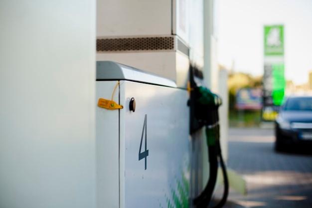"""Juzgan a cuatro personas por """"inflar"""" facturas de gasolinera y estafar casi 300.000 euros"""