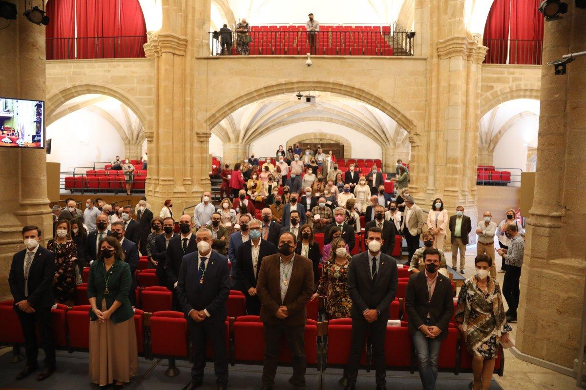 La Diputación de Cáceres rinde homenaje a sus 96 trabajadores jubilados