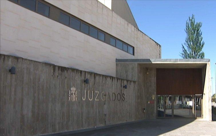 Prisión provisional para el joven acusado de agredir con arma blanca a su pareja en Plasencia