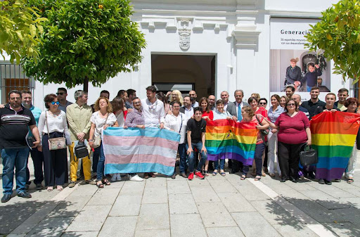 Extremadura Entiende ofrecerá atención psicológica a las víctimas de lgbtifobia