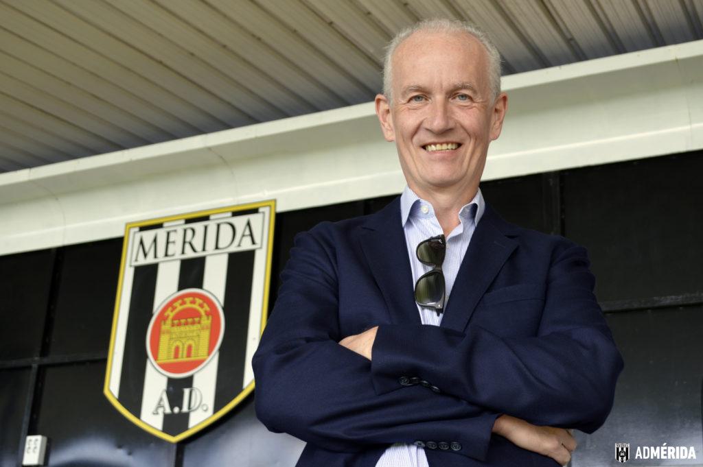 El empresario inglés Mark Heffernan, nuevo propietario del club de fútbol AD Mérida