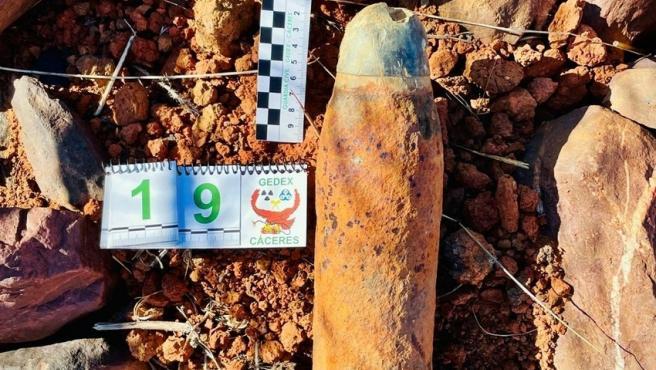 Desactivan dos proyectiles de la Guerra Civil en una finca de Monterrubio de la  Serena